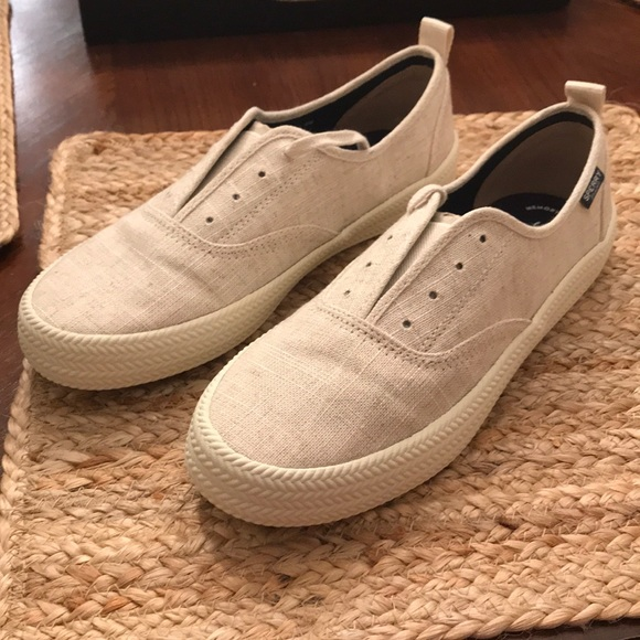 Brand New Sperry Crest Knot Sneaker